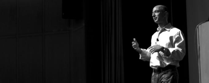 CEO Amazon Джефф Безос: о смехе, мыслях в душе и вреде сожалений