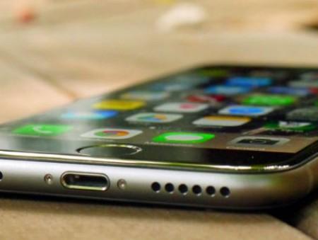 Apple активно нанимает экспертов  в сфере искусственного интеллекта, чтобы сделать iPhone умнее
