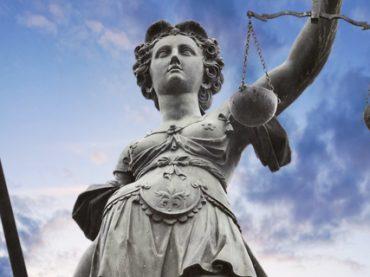 Юристы: кого ищут работодатели и сколько готовы платить