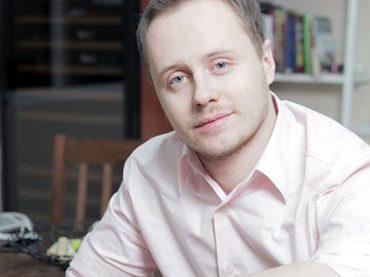 Сомелье Алексей Дмитриев: «Подобрать вино можно к музыке, фильму и даже опыту человека»