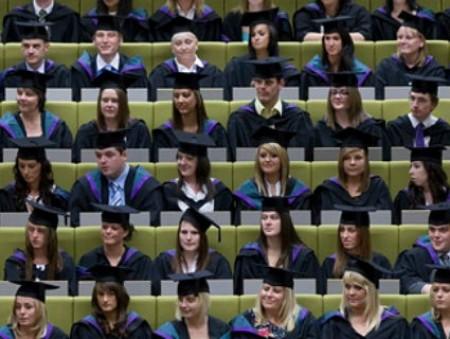 Эксперты призывают мировое сообщество облегчить доступ к образованию