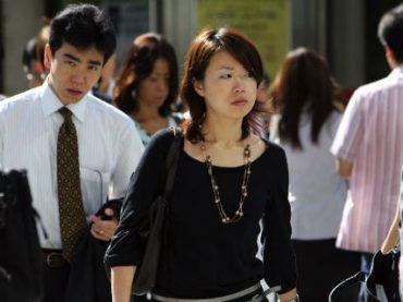 Беременные японки подвергаются преследованиям на работе – Минтруда Японии