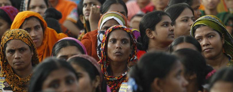 Международные компании вкладывают миллионы, чтобы улучшить условия труда на швейных фабриках в Бангладеш