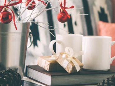 Почитать в субботу: сколько доплачивают за английский, новогодние «клятвы» Цукерберга, Гарвард для Санта-Клаусов, онлайн-курсы о космосе и как создается реалити-шоу