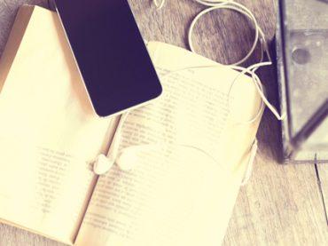 Почитать в субботу: как пройти собеседование по Skype, день рождения Диснея, лучшие онлайн-курсы декабря, упражнения для постановки голоса и щедрые поступки знаменитостей