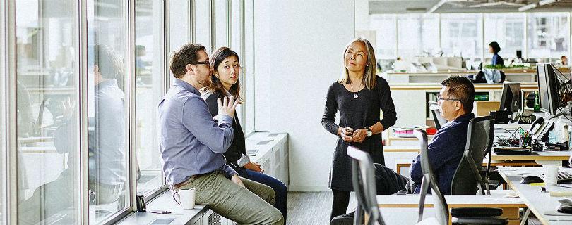 Эксперты назвали рабочие встречи пустой тратой денег