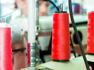 Производство: больше всего работы в легкой промышленности, но зарплаты низкие