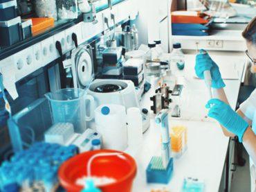 Фармацевтика: каким специалистам работодатели готовы платить до 20 000 грн