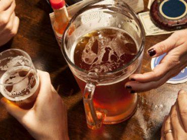 Американским блогерам предлагают стажировку мечты: пить пиво и путешествовать все лето за $12 000