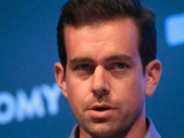 Twitter платит сотрудникам до $200 000, чтобы они не уходили из компании