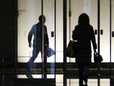 Треть женщин в Японии подвергались домогательствам на работе