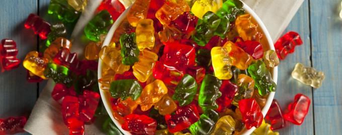 «Коварный» перекус: как выглядят 200 калорий разных офисных снэков (фото)