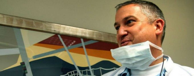 Французский суд отправил в тюрьму стоматолога, который калечил пациентов