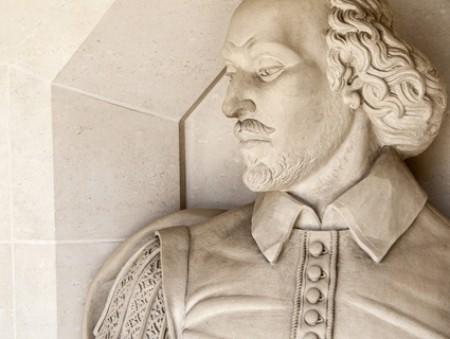 От бизнес-переговоров до Шекспира: 7 онлайн-курсов, которые помогут довести английский до совершенства