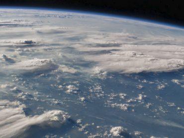 Международный день космонавтики: 7 невероятных космических Twitter-аккаунтов (фото)