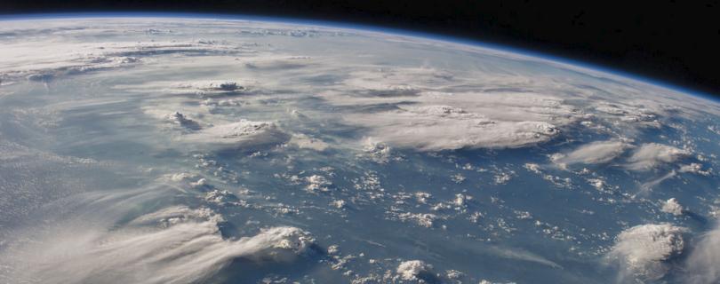 Международный день космонавтики: 7 невероятных космических Twitter-аккаунтов