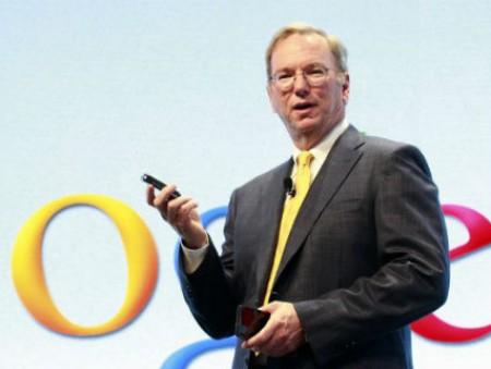 Глава Google Эрик Шмидт успокоил всех, кто опасается искусственного интеллекта