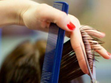 Мэр австралийского города, где нет ни одного парикмахера, ищет кандидата через Facebook