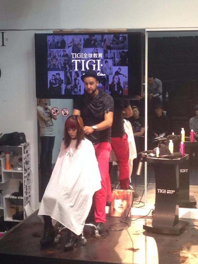 Як відкрити свій бізнес у В'єтнамі: історія українського перукаря, який стриг Роналду