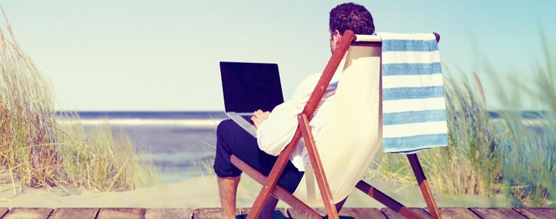 Опрос: приходится ли вам работать в отпуске?