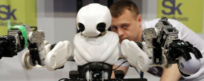 В ближайшем будущем роботы заменят большинство низкооплачиваемых рабочих