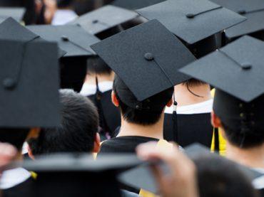 «Вкладывайте деньги в себя»: 20 карьерных советов выпускникам вузов от опытных специалистов