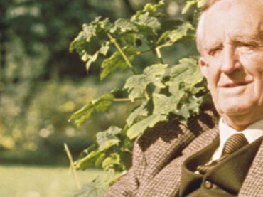 Писатель Джон Рональд Руэл Толкин: о правдивых историях, драконах и том, как ненавистная задача привела к появлению хоббитов