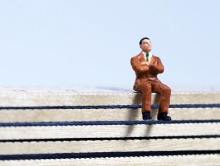 Только 15% сотрудников считают своих начальников примерами для подражания: результаты опроса