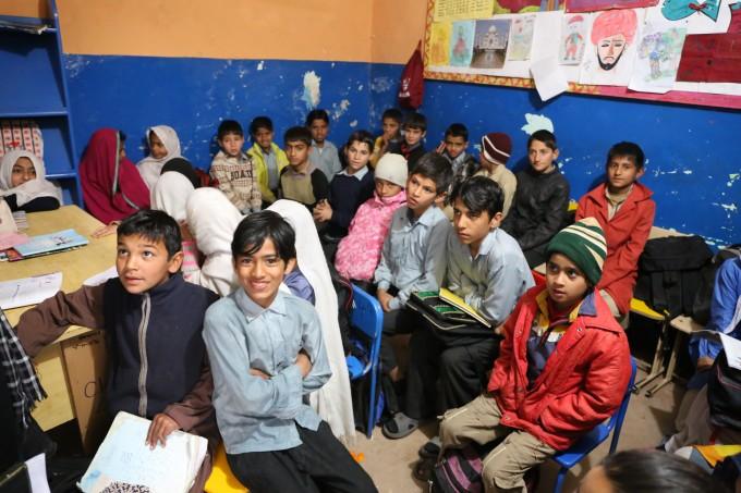 Работа в ООН, запрет на алкоголь и платья, школы без девочек и зарплаты в $5000: жизнь и работа украинцев в Пакистане