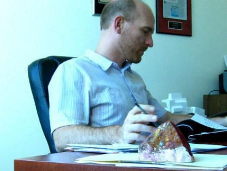 Длинный рабочий день может быть вреден сотрудникам старше 40 лет
