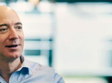 Основатель Amazon стал третьим самым богатым человеком в мире