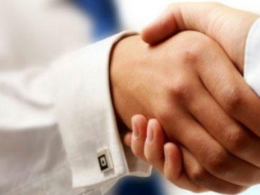 Сотрудники по всему миру не склонны доверять работодателям – опрос