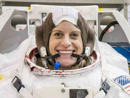 Женщинам предлагают всерьез задуматься о полетах в космос