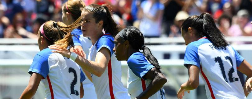 Американские футболистки требуют, чтобы им платили наравне с мужчинами