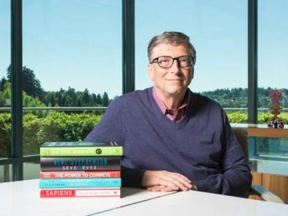 Ящик литературы в дорогу, свой книжный блог и 1000 страниц в день: как читают известные предприниматели и знаменитости
