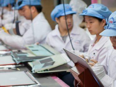 Apple обвиняют в эксплуатации китайских рабочих