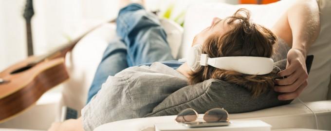 Как снять стресс после рабочего дня: 12 расслабляющих упражнений от мастера массажа