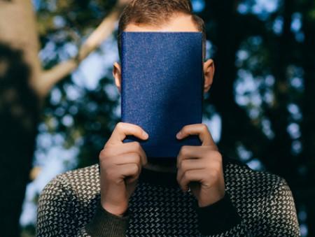 Почитать в субботу: новый спецпроект «Сила голоса», советы полиглота, видеоблоги о науке и космосе и как «потрогать» мечту