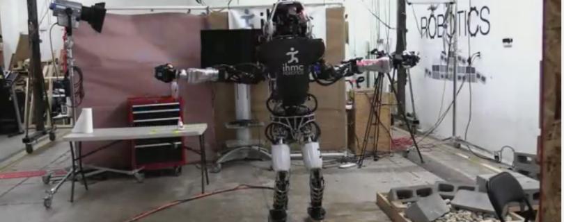 Робот Atlas научился ходить по тоненькой дощечке