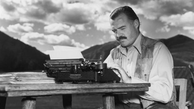 Фирменный стиль: 5 полезных уроков писателя Эрнеста Хемингуэя, которые пригодятся в работе каждому