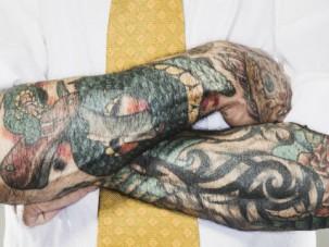 Работодателям советуют не судить о кандидатах по их татуировкам