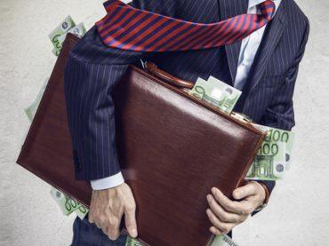 Нужные профи: топ-20 самых востребованных специалистов и их зарплаты