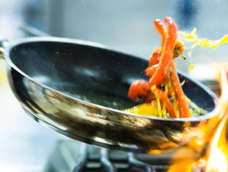Мастера вкуса: в каких городах больше всего вакансий для поваров, и какие зарплаты им предлагают