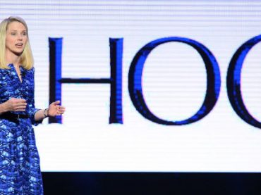 Главу Yahoo обвинили в дискриминации сотрудников-мужчин