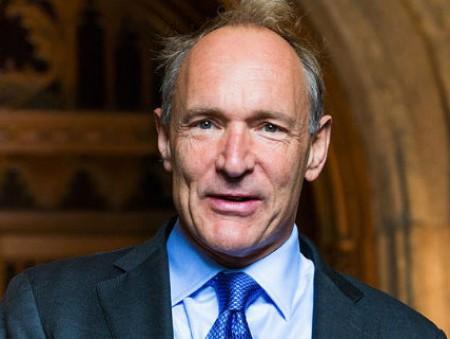 Изобретатель интернета стал профессором в Оксфорде