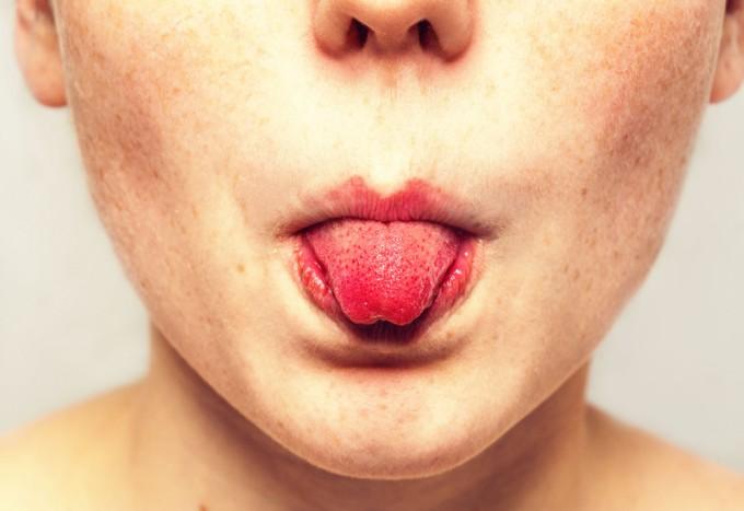 Как развить возможности своего голоса с помощью массажа: 7 простых упражнений