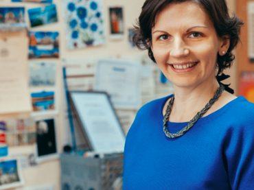 Про стереотипи на ринку праці, самодискримінацію, як виховати жінок-лідерів та чому чоловікам платять більше: інтерв'ю з соціологинею Тамарою Марценюк