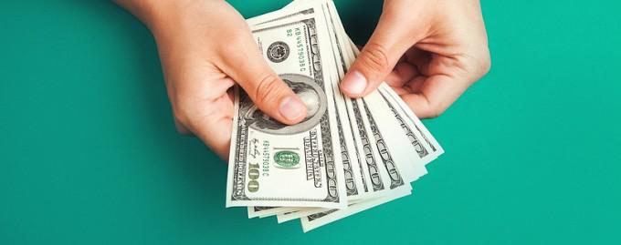 Каждый пятый сотрудник ожидает повышения зарплаты в следующем году: результаты опроса