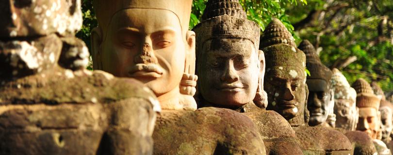 О бизнесе без налогов, работе в NGO, жареных пауках и зарплате $6000: жизнь украинца в Камбодже