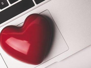 Опрос: влюблялись ли вы в своего начальника или коллегу?